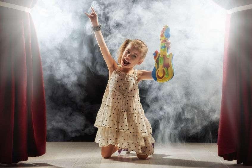 Voici comment rendre inoubliable la fête de votre rockstar